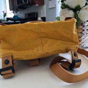 Fjallraven Bags - FJALLRAVEN KANKEN MINI WARM YELLOW, WORN ONCE